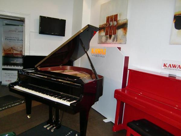 klaviere fl gel neue und gebrauchte in berlin tasteninstrumente kaufen und verkaufen ber. Black Bedroom Furniture Sets. Home Design Ideas