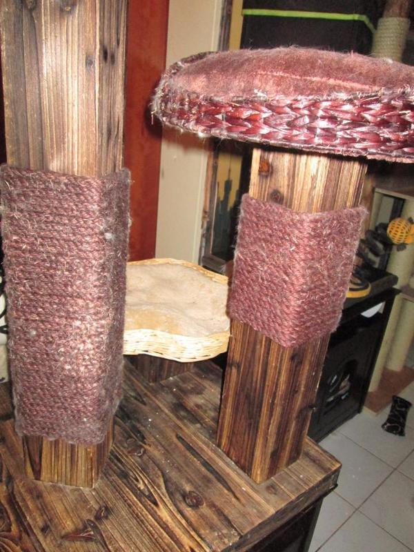 kratzbaum burned wood mit einem schlafkorb ma e h 139 x l 58 x b 58 cm holzplatte und st mme in. Black Bedroom Furniture Sets. Home Design Ideas