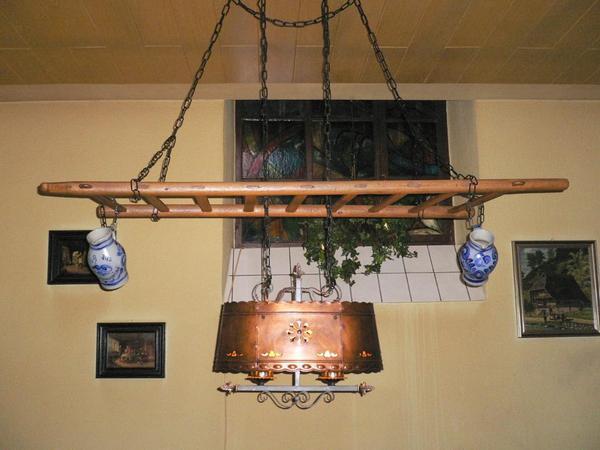 lampe mit holzleiter und zwei kr gen in landau lampen kaufen und verkaufen ber private. Black Bedroom Furniture Sets. Home Design Ideas