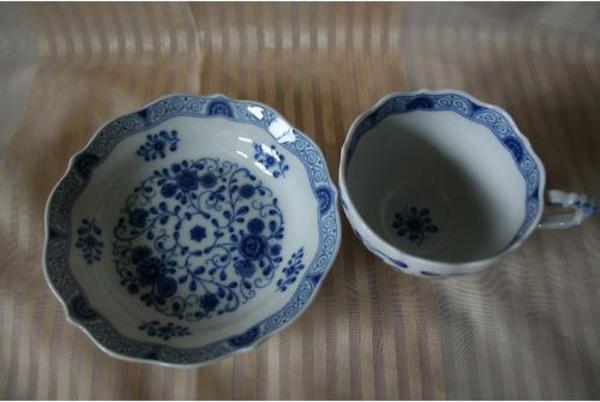 lindner alte ranke blau lindner k ps bavaria 136 3 in waldbronn geschirr und besteck kaufen. Black Bedroom Furniture Sets. Home Design Ideas