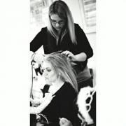 Makeup &Hair Artist/