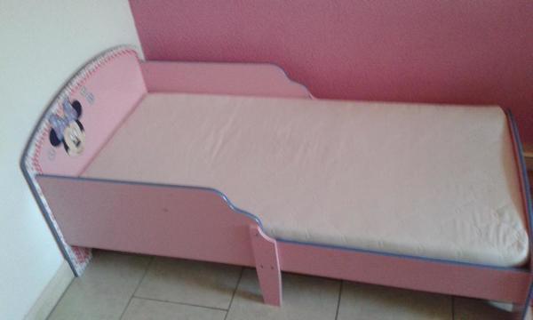 Minnie Maus Kinderbett, inkl. Matratze gebraucht kaufen  74613 Öhringen