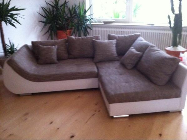 nagelneue eckcouch g nstig abzugeben in mannheim polster sessel couch kaufen und verkaufen. Black Bedroom Furniture Sets. Home Design Ideas