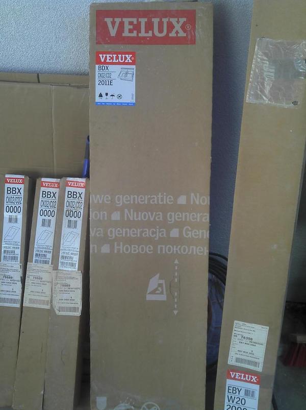 neu velux dachfenster zubeh r d mmset hilfssparren. Black Bedroom Furniture Sets. Home Design Ideas