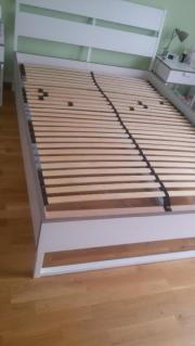 Neuwertiges Ikea-Bett