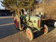 Oldtimer-Traktor Kramer