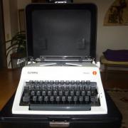 Olympia Schreibmaschine Monica