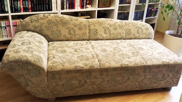 ottomane hell dezent gemustert siehe bilder in schorndorf polster sessel couch kaufen und. Black Bedroom Furniture Sets. Home Design Ideas