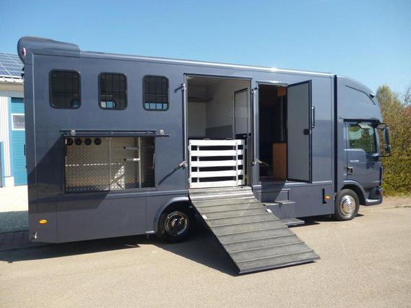 pferdetransporter lkw man tgl 3 4 pferde. Black Bedroom Furniture Sets. Home Design Ideas