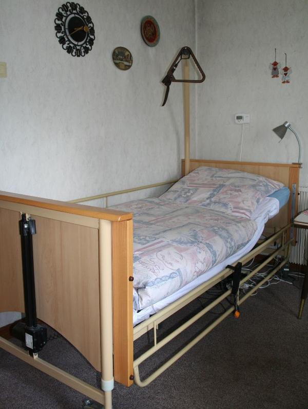 pflegebett seniorenbett teremed domocare i 2 fach elektrisch in obernburg betten kaufen. Black Bedroom Furniture Sets. Home Design Ideas