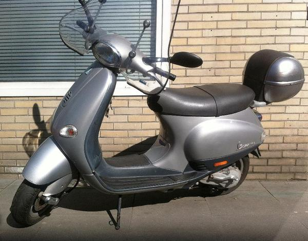 piaggio vespa motorroller roller et 2 50 ccm plus zubeh r in hamburg piaggio vespa ape. Black Bedroom Furniture Sets. Home Design Ideas