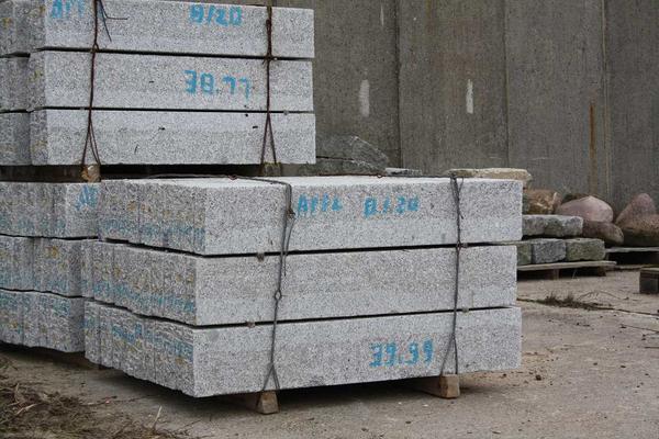rasenkantensteine aus granit sonderaktion in wermsdorf. Black Bedroom Furniture Sets. Home Design Ideas