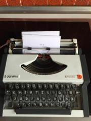 Reise Schreibmaschine Olympia