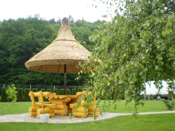 gartenm bel rustikale gartenm bel aus massivholz. Black Bedroom Furniture Sets. Home Design Ideas