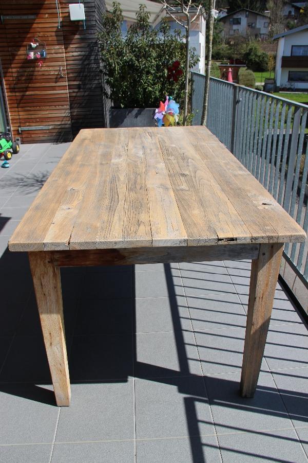 rustikaler teakholz tisch in dornbirn gartenm bel kaufen. Black Bedroom Furniture Sets. Home Design Ideas