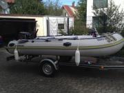 Schlauchboot mit 15