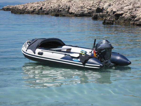 schlauchboot mit motor zubeh r f r boot und segelsport. Black Bedroom Furniture Sets. Home Design Ideas