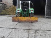 Schneeschild für Traktor