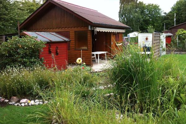 sch ner kleingarten schrebergarten in hamburg boberg zu. Black Bedroom Furniture Sets. Home Design Ideas