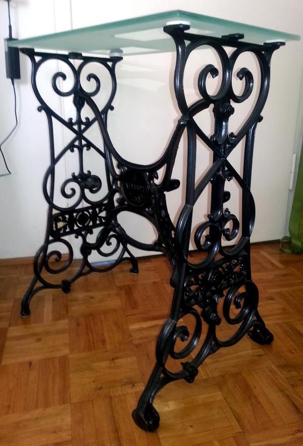schreibtisch n hmaschinegestell design sonstige antiquit ten. Black Bedroom Furniture Sets. Home Design Ideas