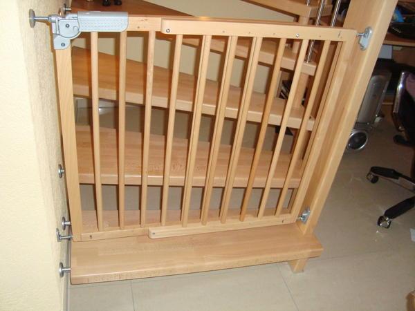 schutzgitter t rschutz t rgitter treppengitter buche. Black Bedroom Furniture Sets. Home Design Ideas