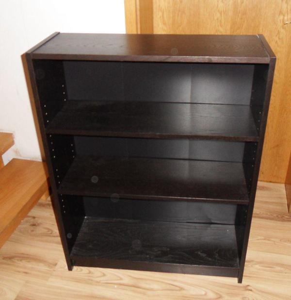 schwarzes regal mit 2 brettern 80cm breit 28cm tief und 106 5cm hoch abholbar in brunnthal. Black Bedroom Furniture Sets. Home Design Ideas