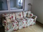 Sofa Dreisitzer Blumenmuster