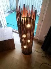 Stehlampe aus Bambusholzimitaten