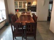 Tisch mit 8
