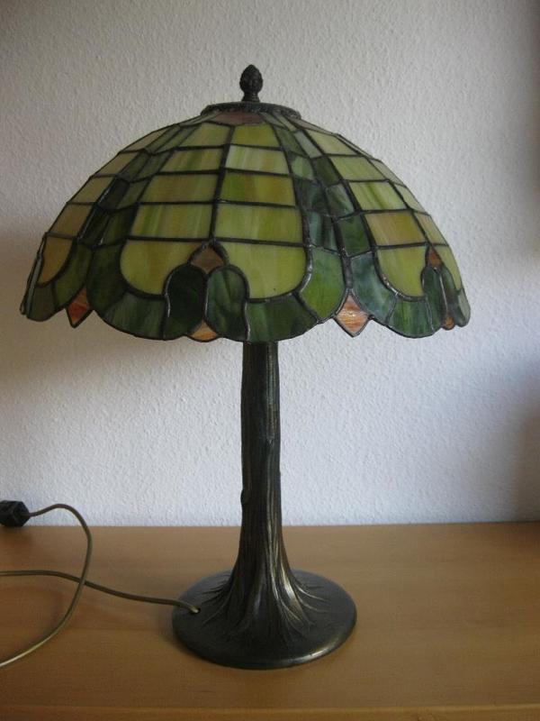 tischleuchte tiffany bleiverglasung in mannheim lampen kaufen und verkaufen ber private. Black Bedroom Furniture Sets. Home Design Ideas