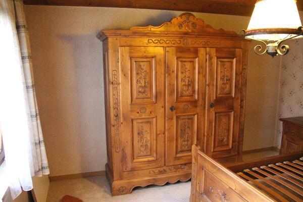 TOP! Schlafzimmer Voglauer Anno 1600 in Gruibingen - Schränke ...