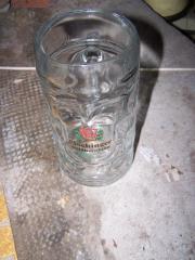 Verschiedene Bierkrüge, Gläser,