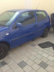 VW Polo blau