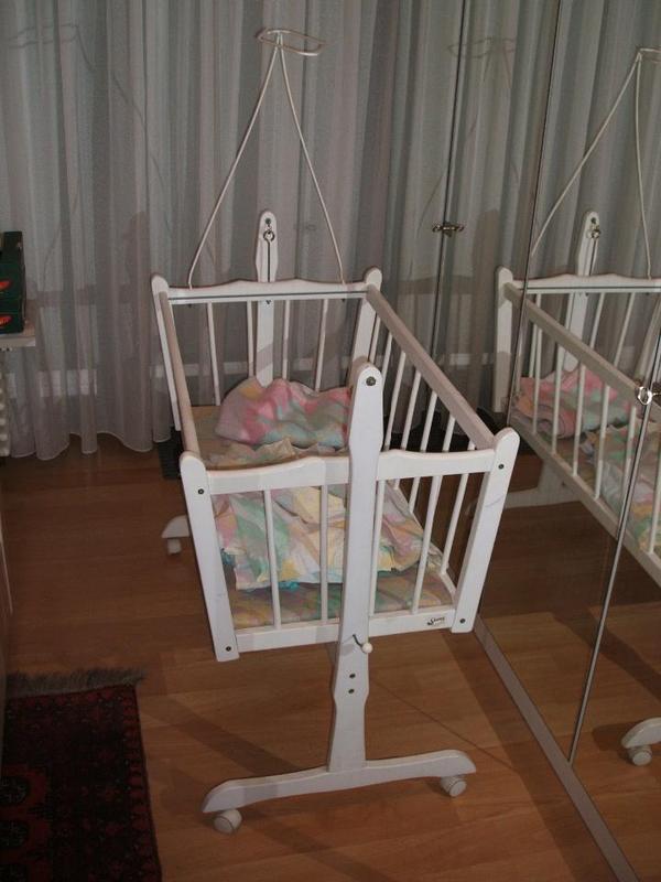 wei e babywiege in niefern schelbronn wiegen. Black Bedroom Furniture Sets. Home Design Ideas