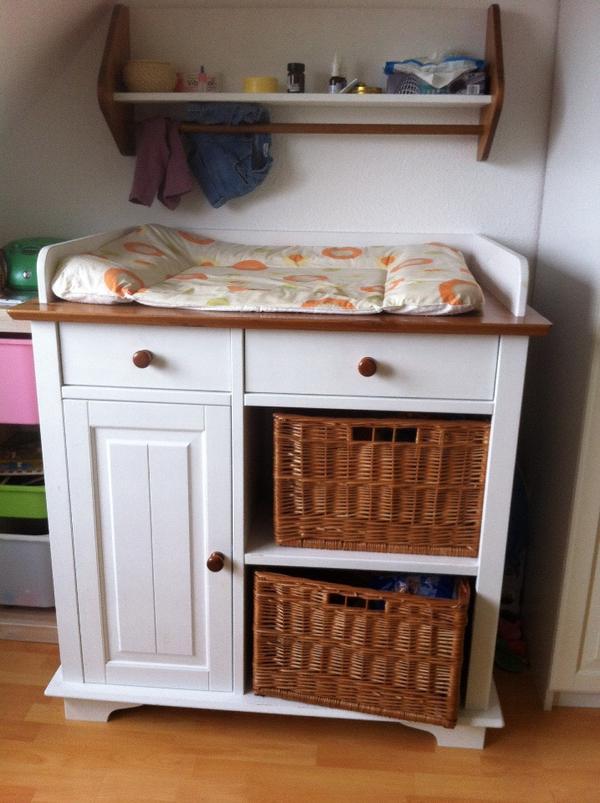 wickelkommode mit ablageregal in d rnau wickeltische kaufen und verkaufen ber private. Black Bedroom Furniture Sets. Home Design Ideas