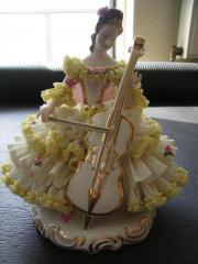Wunderschöne Porzellanfiguren zu