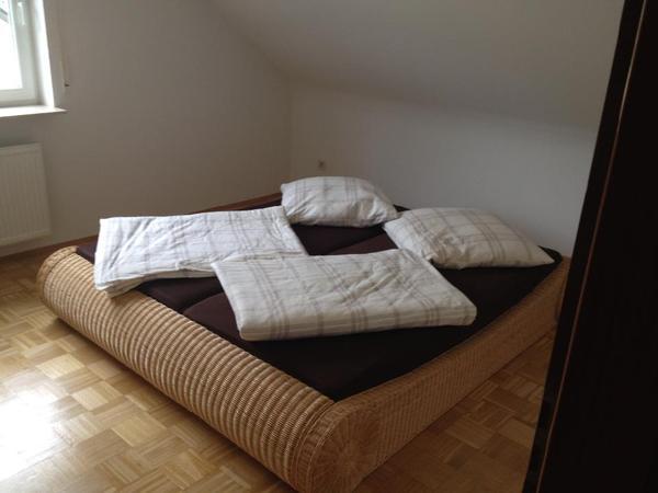 wundersch nes und besonderes rattanbett rattan bett 180x200 in hofheim betten kaufen und. Black Bedroom Furniture Sets. Home Design Ideas