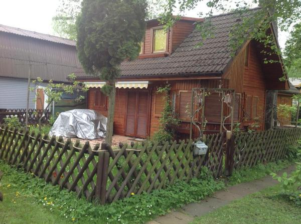 wundersch nes wochenendhaus in unmittelbarer wassern he in. Black Bedroom Furniture Sets. Home Design Ideas