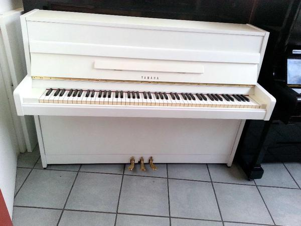 yamaha klavier weiss mieten mit mietanrechnung bei kauf. Black Bedroom Furniture Sets. Home Design Ideas