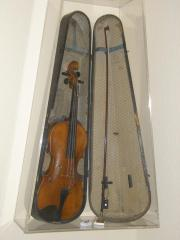 140 Jahre alte Geige mit