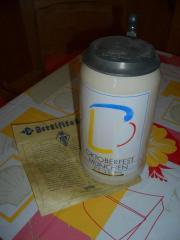 1994er Wiesn-Maßkrug mit Zinndeckel