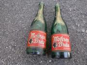 2 alte Bierflaschen