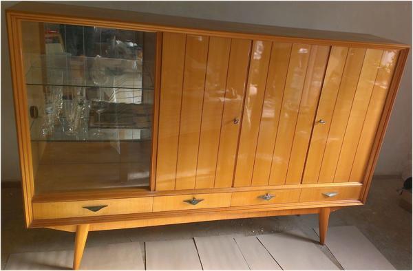 60er jahre wohnzimmer buffet mit vitrine in schw bisch hall stilm bel bauernm bel kaufen und. Black Bedroom Furniture Sets. Home Design Ideas