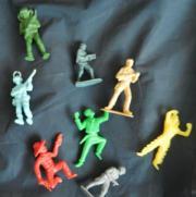 8 Elastolinfiguren aus den 1970