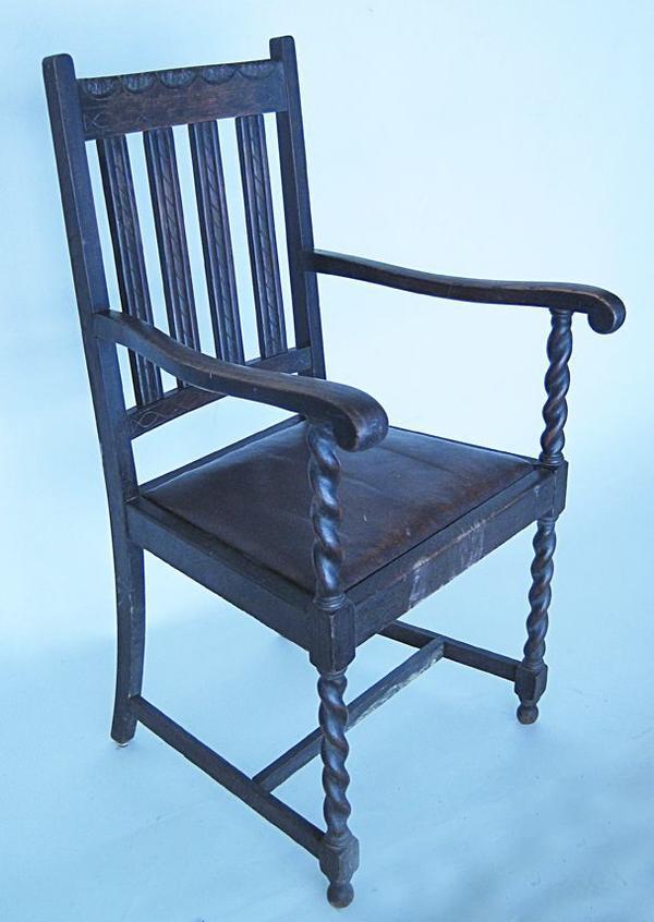 Antike Eichen Stühle zwei gedrechselt