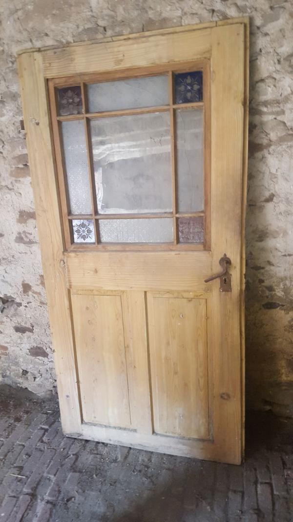 Zimmertür mit glasausschnitt  Antike Zimmertür mit Glasausschnitt in Kerzenheim - Türen, Zargen ...