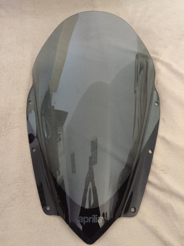 Aprilia SRV850 Windschild neu unbenutzt