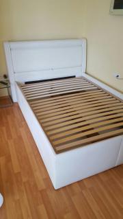 Bett mit schonheits