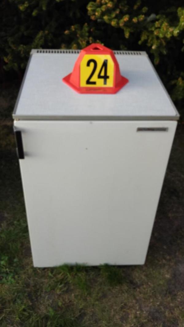 Biete einen Kühlschrank, Fabrikat Privileg Deluxe Farbe weiss mit ...