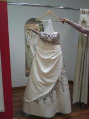 Braut-/Hochzeitskleid
